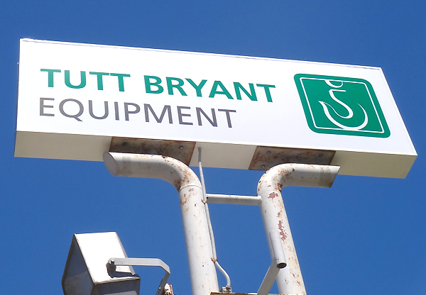 Tutt Bryant post mounted lightbox